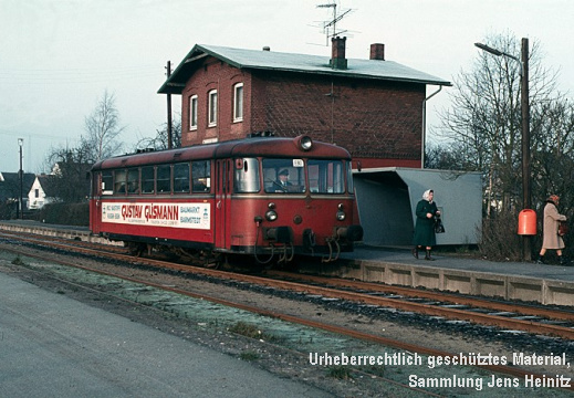 EBOE Bf Sparrieshoop VT3.09 nach Barmstedt 24-Jan-1983 Axel Spille