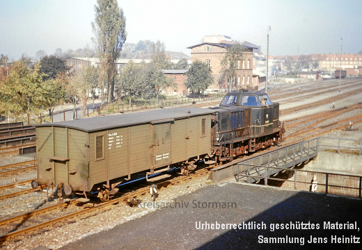 EBOE1374 Bf Oldesloe V3.022 mit Packwagen Pw3.103 1966